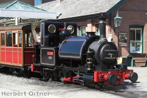 Locomotives given makeover to mark 150th anniversary of Welsh line